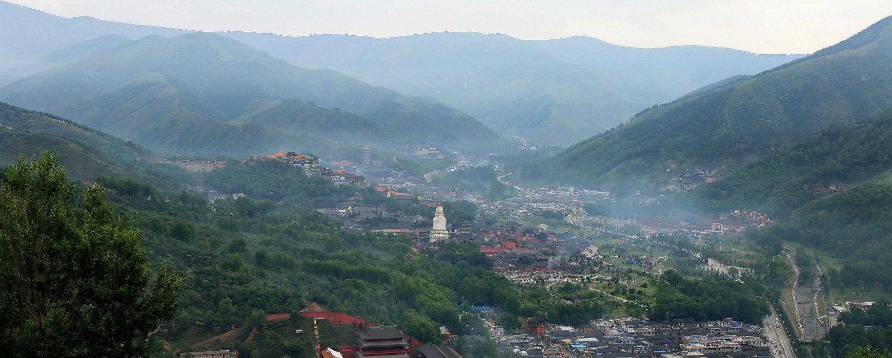 An International and Intensive Program on Buddhism and East Asian Religions at Mount Wutai